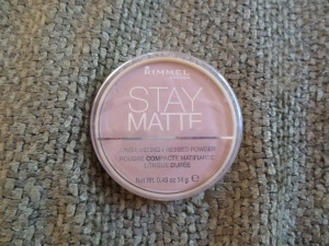 Rimmel London Stay Matte Long Lasting Pressed Powder in 005 Silky Beige
