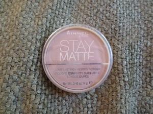 Rimmel London Stay Matte Long Lasting Pressed Powder in 005 Silky Beige
